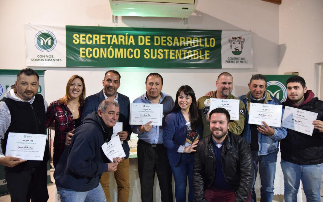 ENTREGA DE DIPLOMAS DE CAPACITACIONES LABORALES