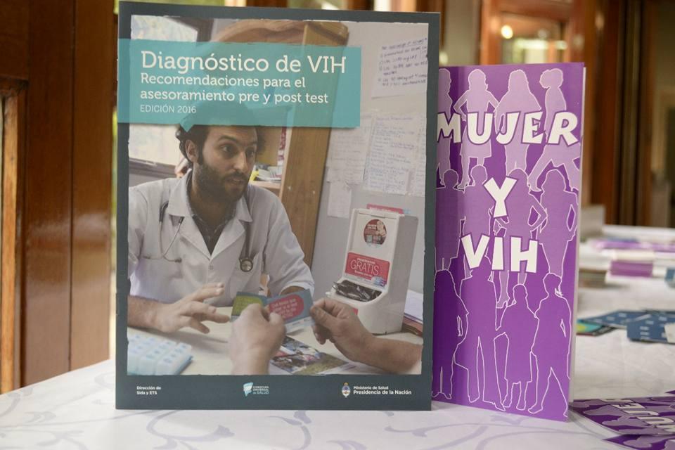 CAPACITACIÓN EN TESTEO RÁPIDO DE VIH EN «LA COLONIAL»