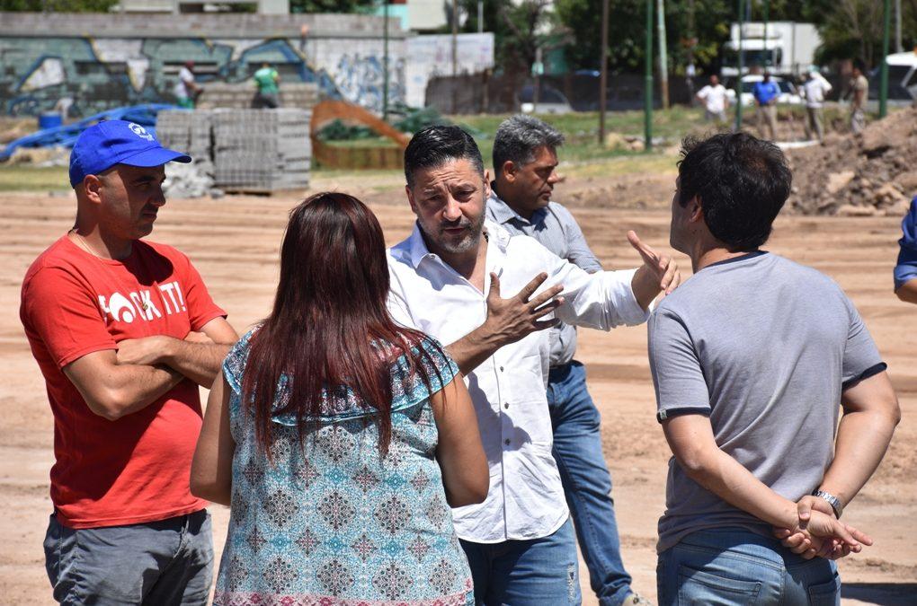 EL INTENDENTE RECORRIÓ OBRAS EN EL CAMPO DE PATO