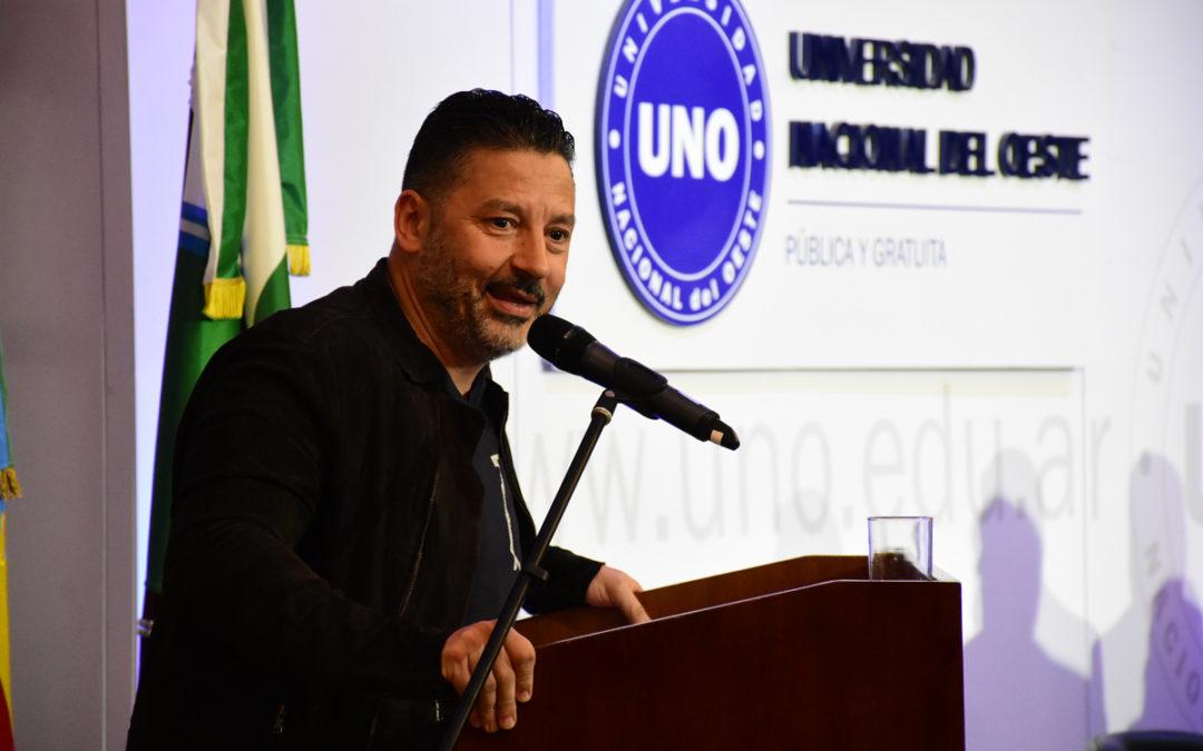 GUSTAVO MENÉNDEZ EN IV COLACIÓN DE GRADO DE LA UNO