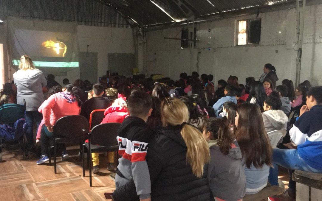 CINE PARA LOS CHICOS EN LAS ENTIDADES INTERMEDIAS