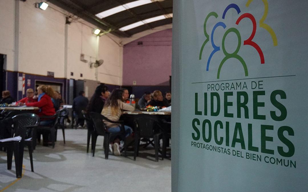 LÍDERES SOCIALES 2 EN PARQUE SAN MARTÍN