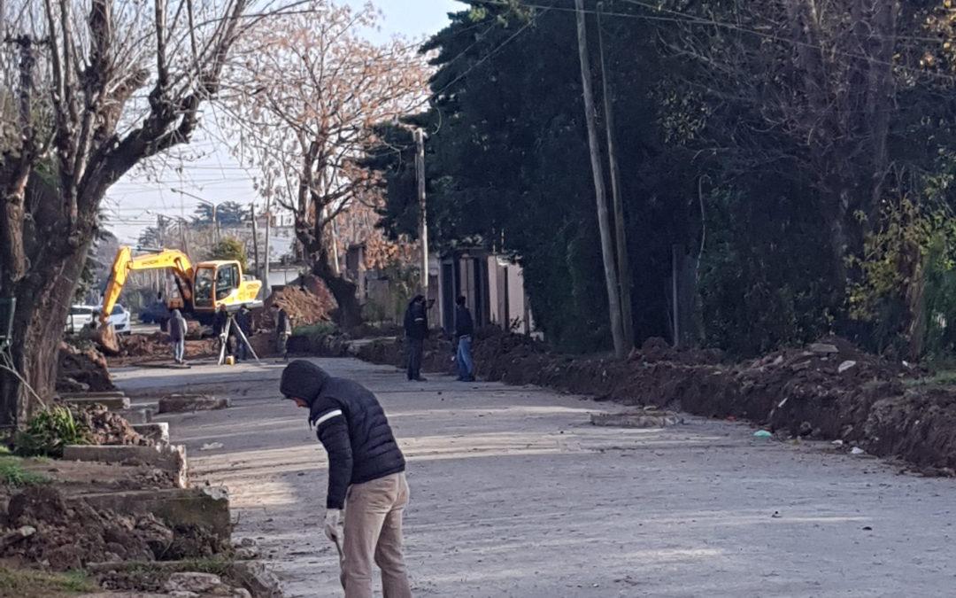 AVANCE DE LAS OBRAS DE PAVIMENTACIÓN EN EL PARQUE SAN MARTÍN