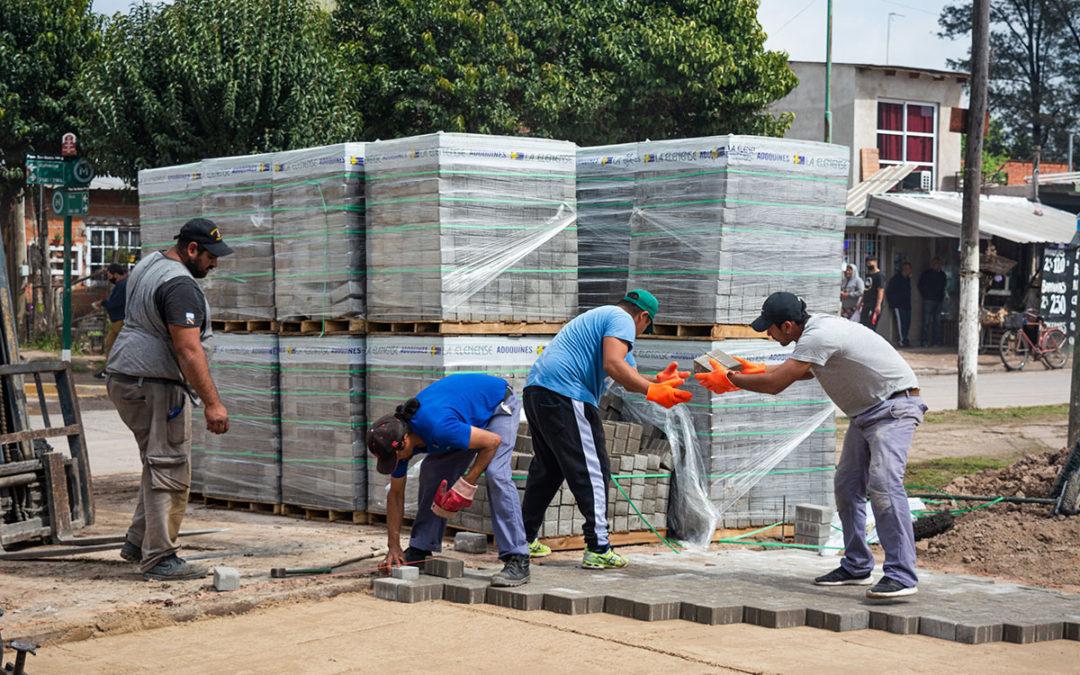 PROGRESA LA CONSTRUCCIÓN DE PAVIMENTO EN PARQUE SAN MARTÍN
